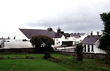 Laphroaig view from the street uploaded by Ben, 07. Apr 2015