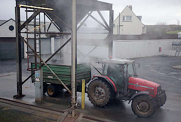 Laphroaig animal fodder disposal uploaded by Ben, 15. Feb 2016