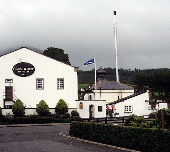 A view on the Glengoyne distillery from the street.