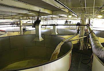 Buffalo Trace fermenter uploaded by Ben, 21. Jul 2015