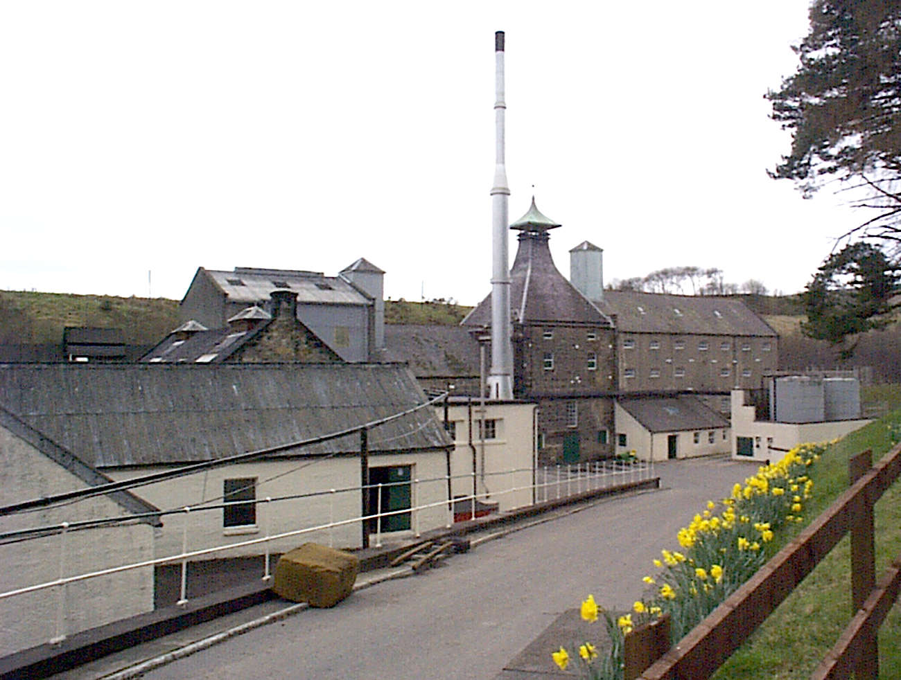 Speyburn view from the street uploaded by Ben, 22. Apr 2015