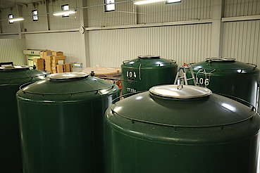 New Wine and Low Wine Tank uploaded by Ben, 19. Jun 2017