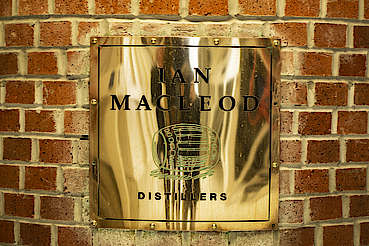 Ian Macleod Distillers sign uploaded by Ben, 17. Jun 2019