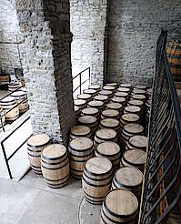 Woodford Reserve barrels ready to fill uploaded by Ben, 01. Sep 2015