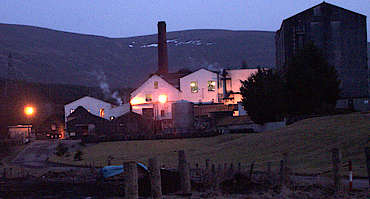 Balmenach distillery at night uploaded by Ben, 10. Feb 2015