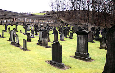 Glenrothes adjacent cemetery uploaded by Ben, 24. Mar 2015