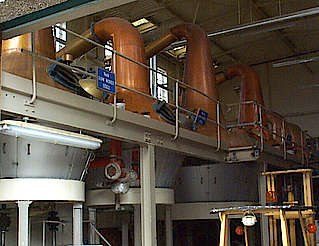 Macallan pot stills in the still house Nr. 2 uploaded by Ben, 15. Apr 2015