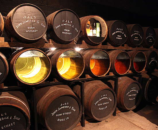Casks with glass wall (Midleton)