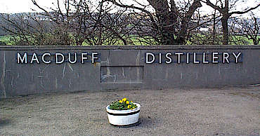 Macduff company sign uploaded by Ben, 15. Apr 2015