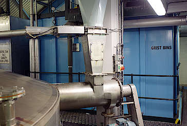 Laphroaig malt conveyor and grist bin uploaded by Ben, 15. Feb 2016