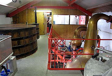 Inside of the still house of the Edradour Distillery uploaded by Ben, 25. Feb 2015