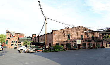 Buffalo Trace visitor center uploaded by Ben, 23. Jun 2015