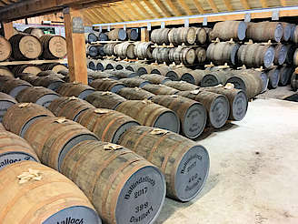 Inside the on-site dunnage maturation warehouse. uploaded by Invergargle, 29. Aug 2017