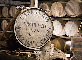 Laphroaig inside the warehouse uploaded by Ben, 15. Feb 2016