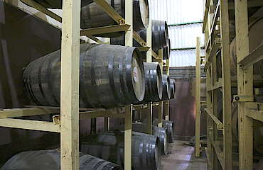Amrut inside the warehouse uploaded by Ben, 23. May 2016