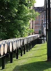 Buffalo Trace barrels on rails uploaded by Ben, 21. Jul 2015
