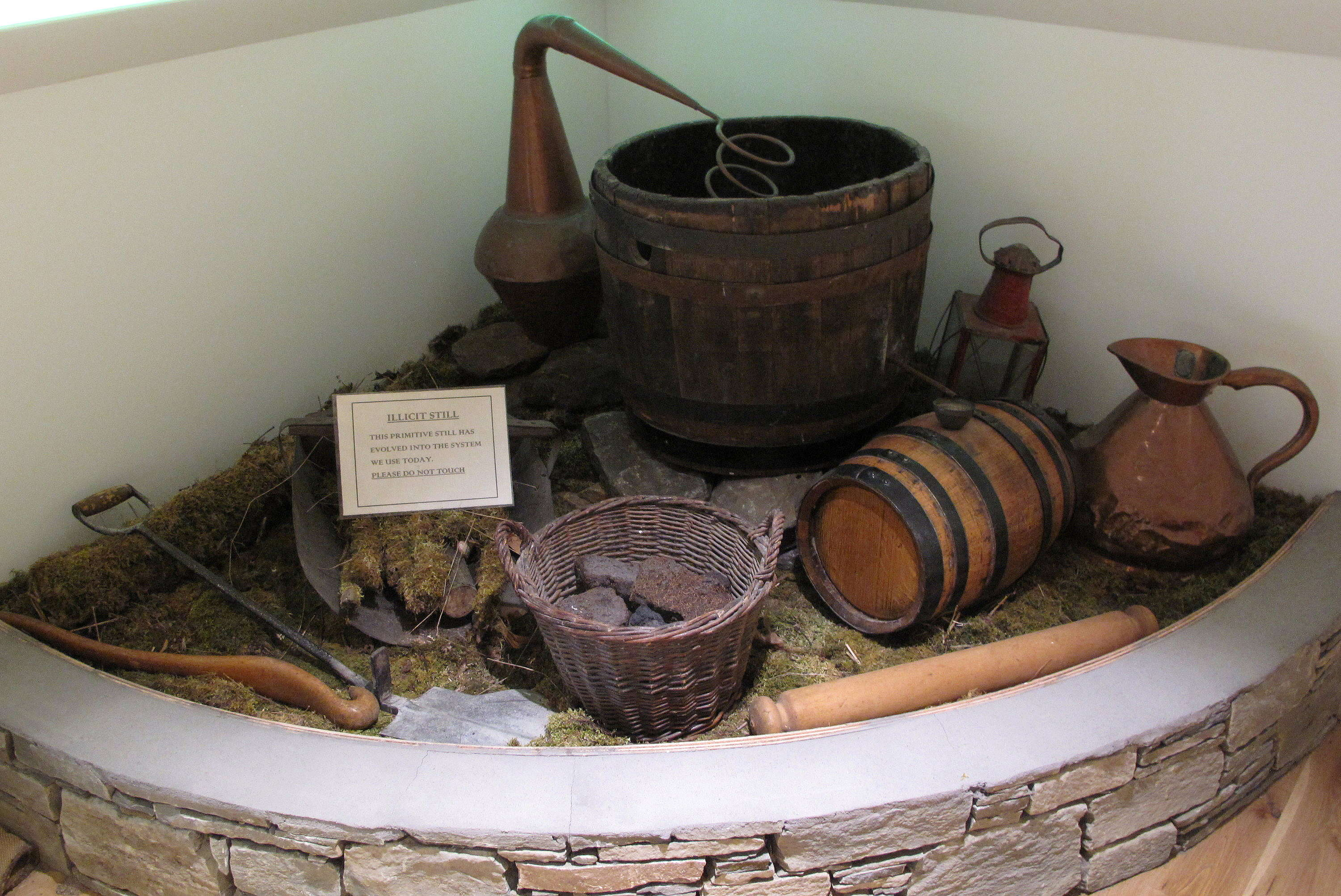 Types Of Whiskies Whiskey Still Diagram Old Smugglers Equitment For Making Whisky