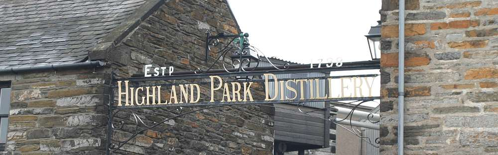 The Highland Park sign at the entrance