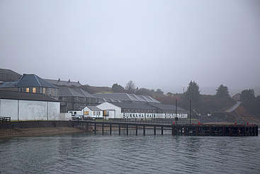 Bunnahabhain view from the water uploaded by Ben, 25. Jan 2016