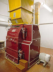 Bunnahabhain malt mill uploaded by Ben, 25. Jan 2016
