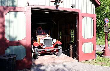 Maker's Mark old fire engine uploaded by Ben, 23. Jun 2015