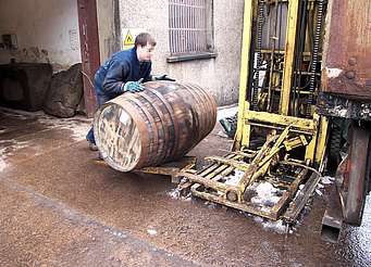 Tamdhu cask transportation uploaded by Ben, 29. Apr 2015