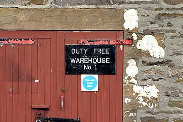 Scapa entrance to the warehouse uploaded by Ben, 22. Apr 2015