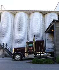 Jack Daniels grain delivery uploaded by Ben, 15. Jun 2015