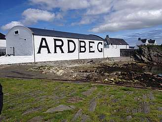 Ardbeg warehouse uploaded by Ben, 13. Oct. 2014