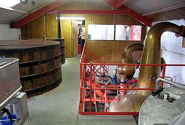 Inside of the still house of the Edradour Distillery uploaded by Ben, 25. Feb. 2015