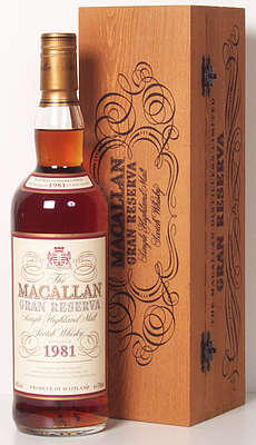 Macallan Grand Reserva 1981 next to the wooden box