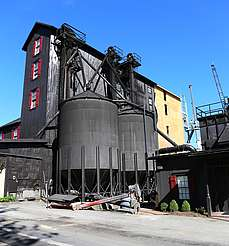 Maker's Mark silos uploaded by Ben, 24. Jun 2015