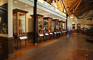 Jack Daniels visitor center uploaded by Ben, 15. Jun 2015