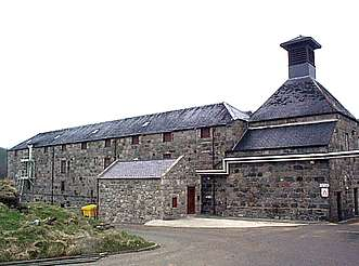 Royal Lochnagar warehouse with kiln uploaded by Ben, 22. Apr 2015