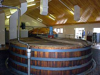 Linkwood wash back and mash tun uploaded by Ben, 08. Apr 2015