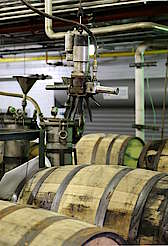 Jim Beam barrel filling room uploaded by Ben, 17. Jun 2015