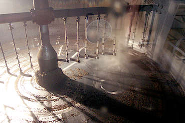 Cardhu stirring device in a mash tun uploaded by Ben, 16. Feb 2015